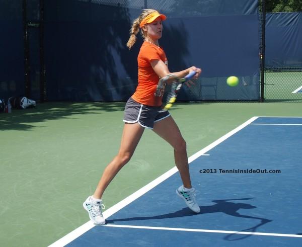 Genie Bouchard Cincinnati Open tennis ball forehand swing photos