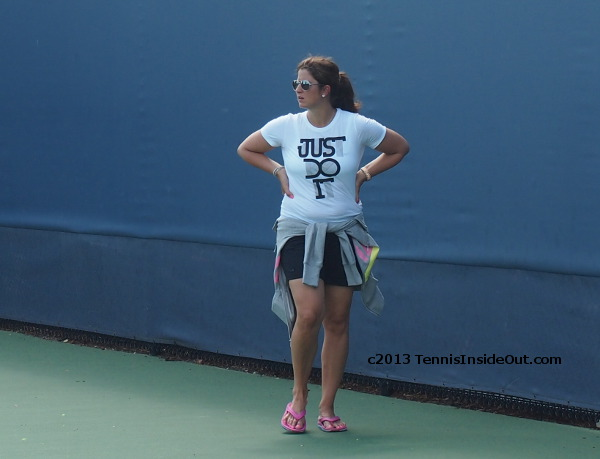 Mirka Federer sexy sassy pose hands on hips Just Do It Nike tee shirt Roger practice Cincinnati Open 2013