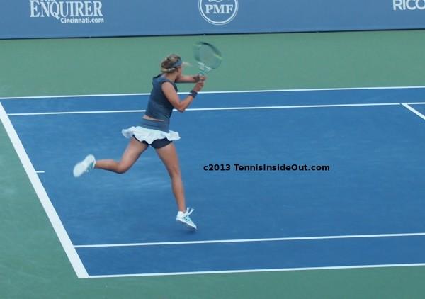 Cincinnati US Open series Vika Victoria Azarenka Belarus leaping backhand long sexy bare legs flying upskirt photos pictures pics