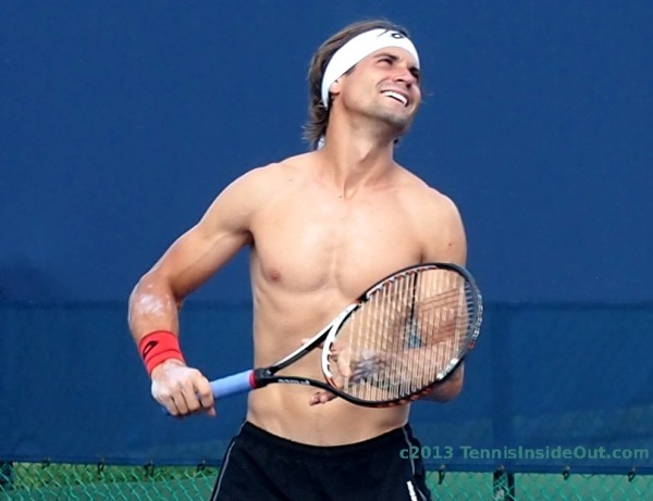 David Ferrer shirtless practice Cincinnati Masters Western & Southern Open 2013 photo by Valerie David