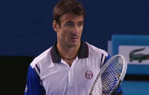Tommy Robredo questioning look line call Stanislas Wawrinka match Australian Open 2014
