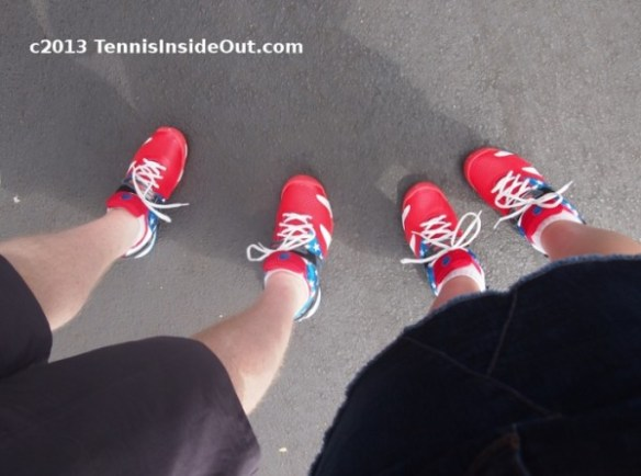 Andy Roddick shoes twin Western and Southern Open Cincinnati Masters matching tennis fans photos by Valerie David