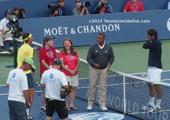 Rafa Nadal Roger Federer happy fans coin toss Cincinnati Masters quarterfinal Fedal match 2013