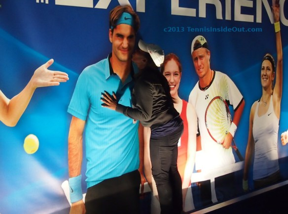 Tola smooching Roger Federer Cincy wall of favorite tennis players