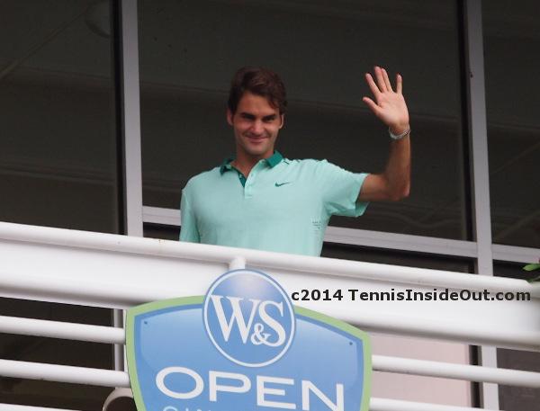 Roger Federer wave balcony
