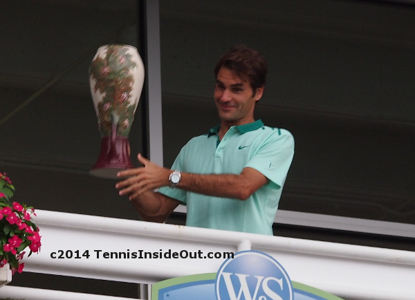 Rog Fed trophy joking funny face pictures