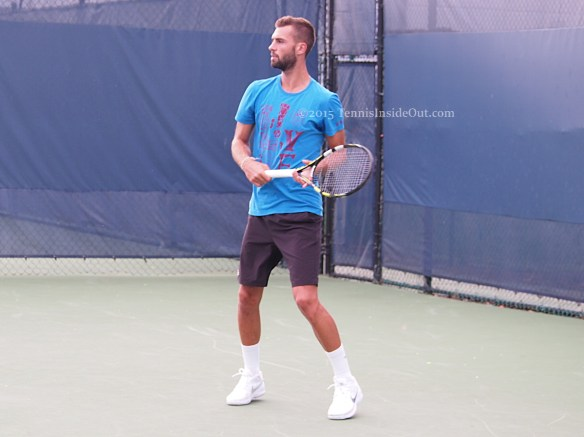 Cincinnati Benoit Paire practice waiting for backhand swing