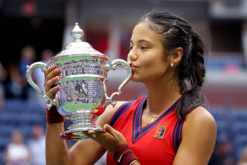 raducanu-wins-2021-us-open-womens-singles-final (7)