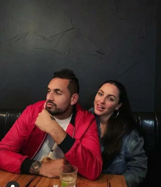 FOTO'S KIJKEN - Is dit de nieuwe vriendin van Kyrgios ...
