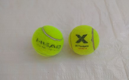Pressurized and Pressureless Tennis Balls