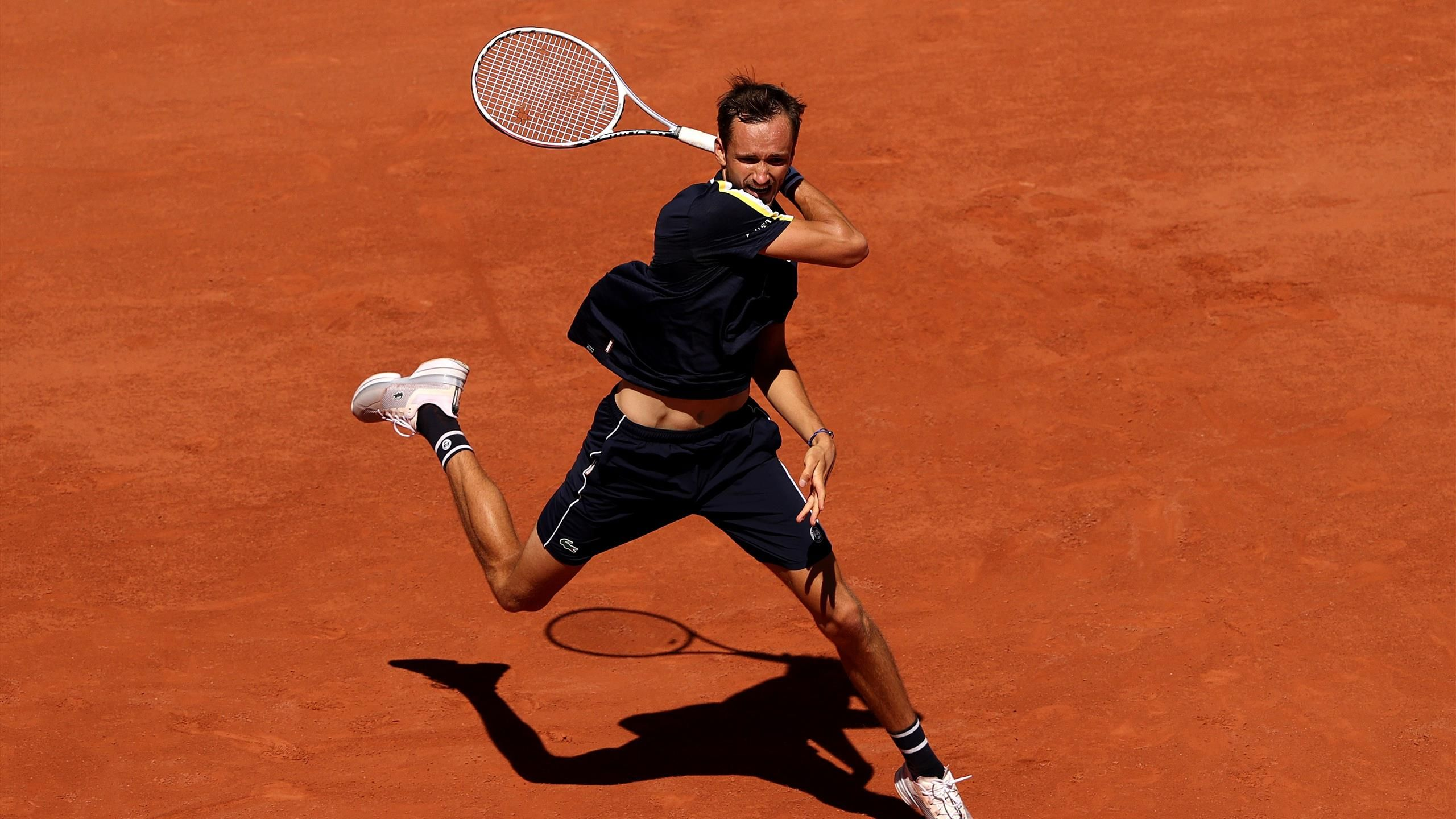 Roland Garros 2021: Daniil Medvedev vs. Tommy Paul Tennis Pick and Prediction