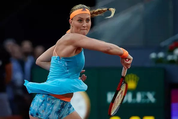 Mladenovic upsets Kuznetsova