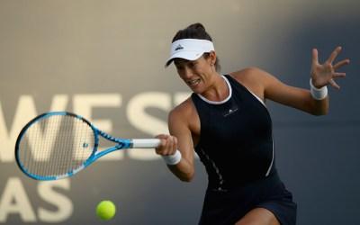 Stanford   Muguruza cruises, Sharapova withdraws