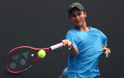 Melbourne   Top juniors cruise into quarters as second seeds exit