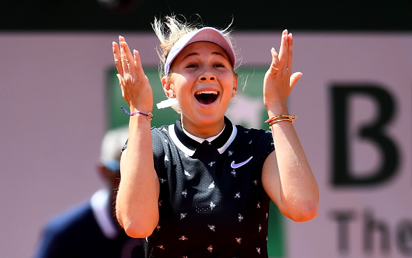 Paris | Anisimova stuns Halep to meet Barty in semis
