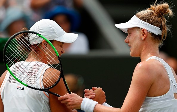 Wimbledon | Barty beaten by Riske
