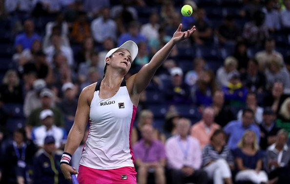 New York | Barty wins indoors