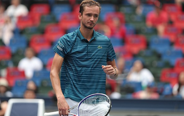 Shanghai | Medvedev and Zverev reach final