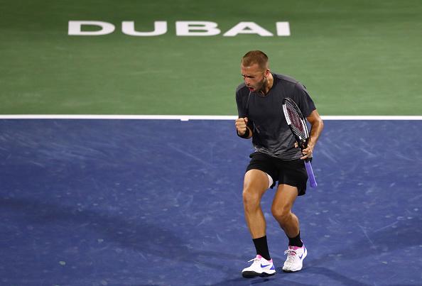 Dubai | Evans surprises Fognini in opener