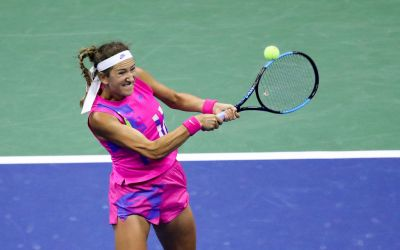 Azarenka stops Serena short