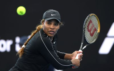 Serena visits the zoo, then beats Osaka in Adelaide exhibition