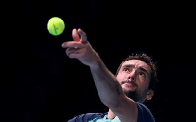 Cilic overcomes difficult conditions to end losing run