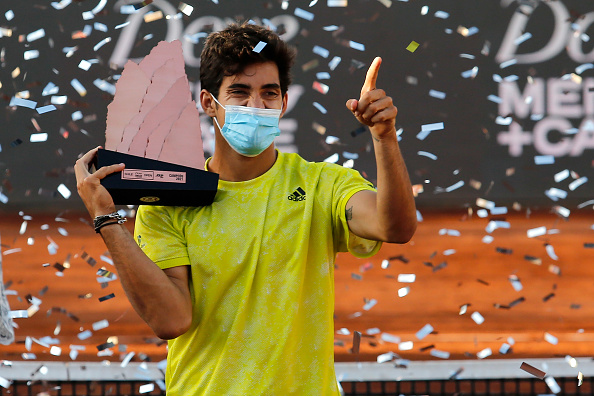 Garin secures a home win in Santiago