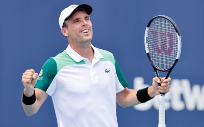 Bautista Agut topples Medvedev in 2nd Miami quarter-final