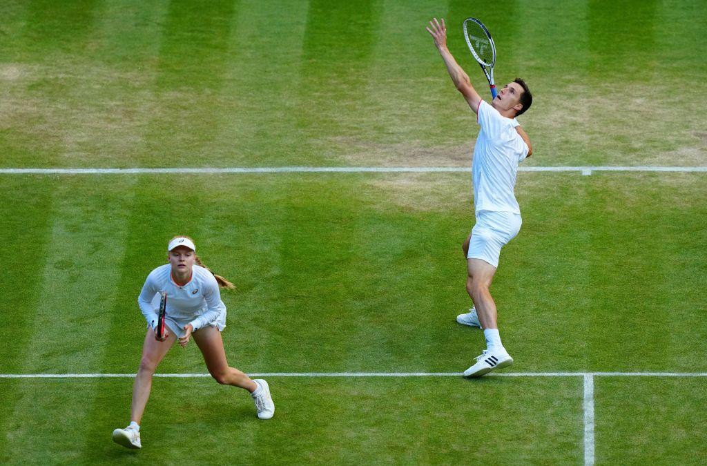 Dart, Salisbury and Skupski keep British hopes alive in mixed doubles