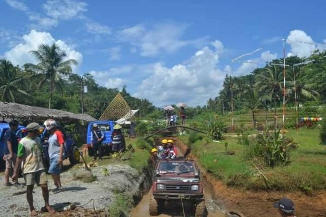Wisata Jeep Tampomas