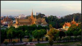 Silver Pagoda (left), Throne Hall and Khemarin Palace as Royal Residence (right) - Phnom Penh