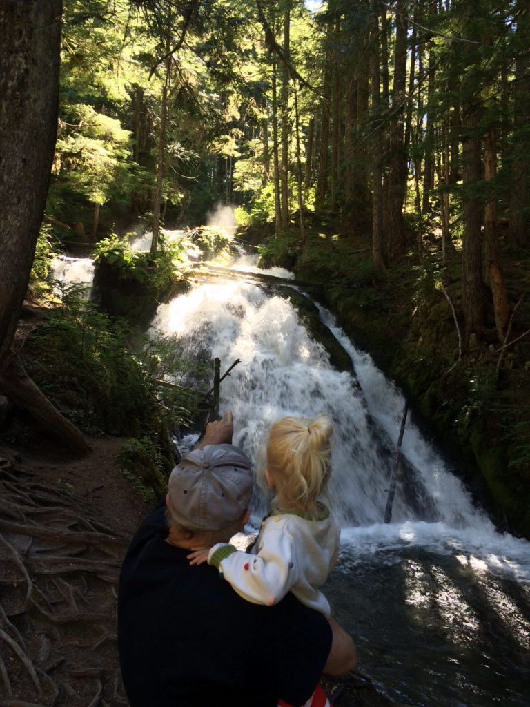 A half-mile hike to Little Zigzag Falls on Mt Hood is easy for kids and the whole family in Oregon. Ten Thousand Hour Mama