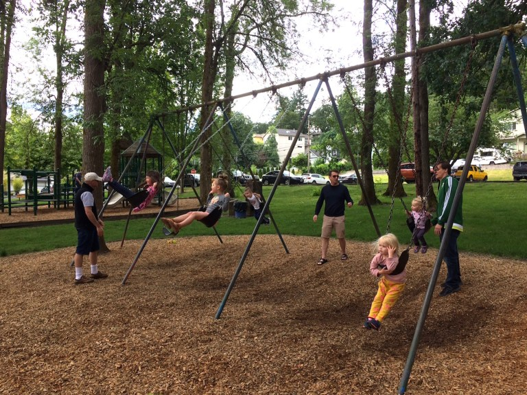 The best parks in West Linn, Oregon, outside Portland - family and kids outdoor summer fun! Ten Thousand Hour Mama