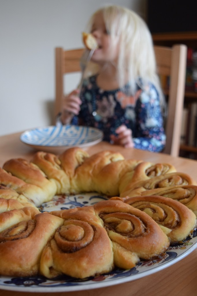 This Christmas breakfast pastry is like a cinnamon roll—but better. This tea ring recipe is a holiday family tradition! Ten Thousand Hour Mama