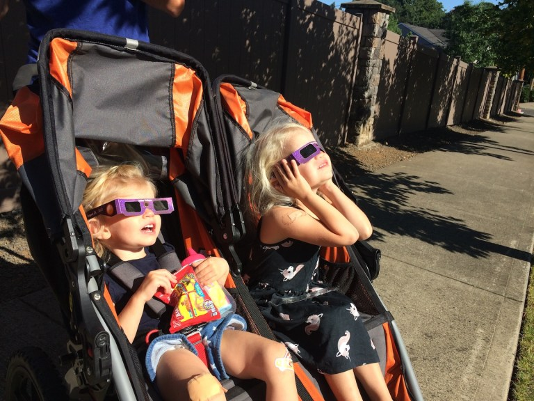 Seeing a solar eclipse with kids - Ten THousand Hour Mama