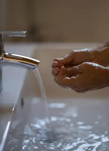 コロナウイルス感染防止の為、手洗いやうがいがこれまで以上に重要視される社会