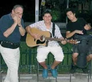 Eitan-Shai-guitar