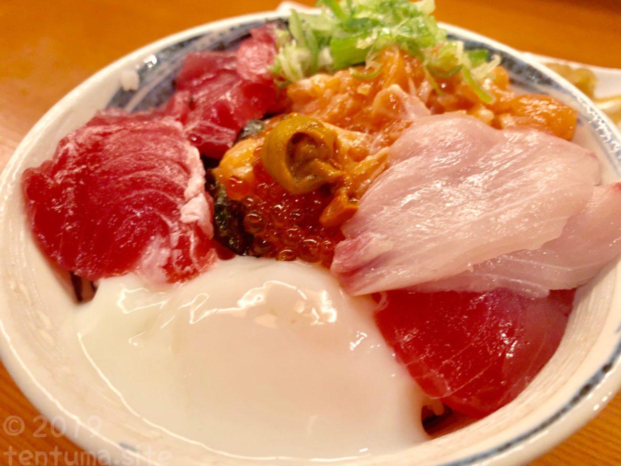 大阪 秋やま 海鮮丼