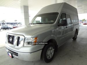 2013 Nissan Nv2500 Sv Rare Colored Silver Unit High Roof Dual Power Outlets