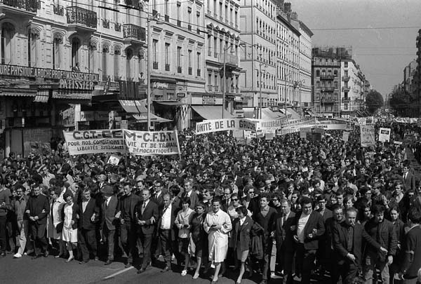 O 1968: um movimento internacional de revolta contra o sistema