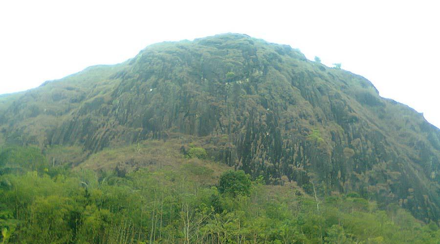 gunung wayang