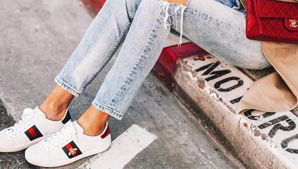 Tips Merawat Sepatu Putih