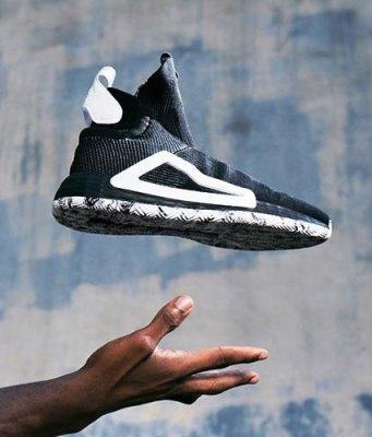 Tips Mengelem Sepatu