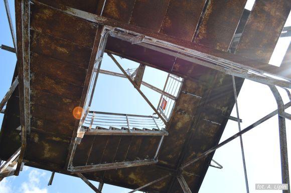 Dwa tarasy i 70 schodów połączone ażurową konstrukcją (fot. A. Lipin)