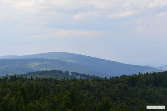 Widok z wieży na Kalenicy na północny zachód – Wielka Sowa (fot. A. Lipin)