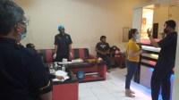Pengunjung Karaoke dan Pemandu Lagu Kembali Jalani Tes Urin