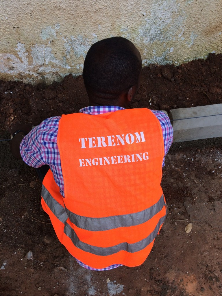 terenom engineering at a garden paver project lay