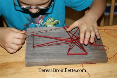 String art can be incredibly easy. The finished project is a beautiful piece of art that any young artist would be thrilled to give as a gift!!