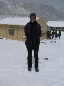 Shoba in the snow of Chang La Pass