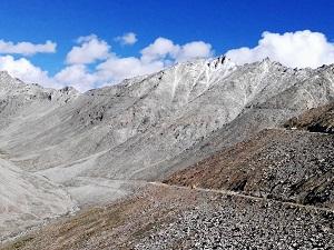 Looking up towards Khardung La Pass from the Leh road